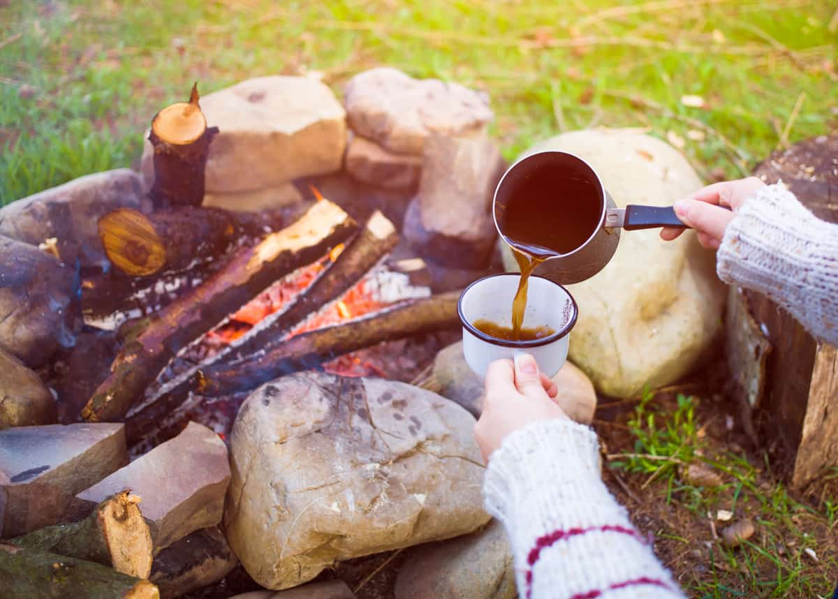 5 Best Ways on How to make coffee while camping
