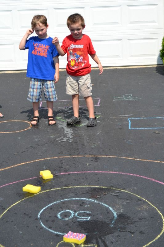 Sponge bull's eye outdoor game for kids