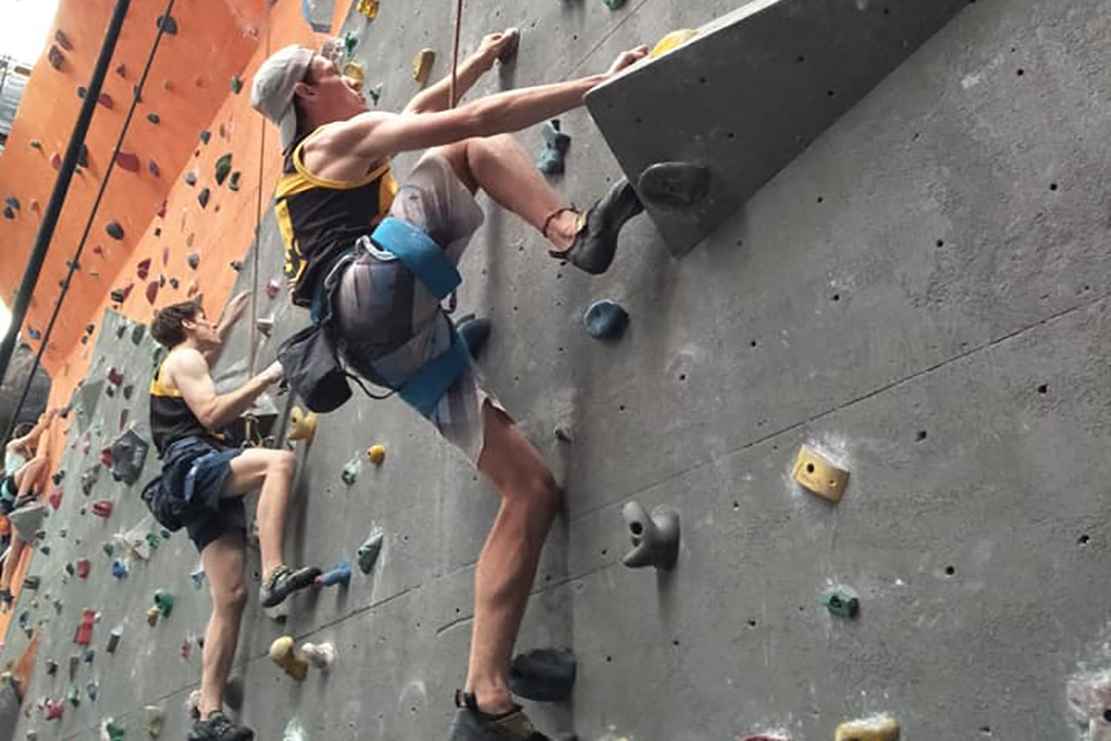 Beginner's Guide to Rock Climbing Outfit at the Gym and Outdoor 2020